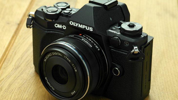 OM-D E-M5 Mark 2の外観デザインは、見れば見るほど考えられていた。