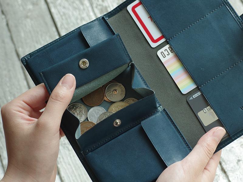 なぜ今、長財布?薄いのに大容量の「ピアット」:前編