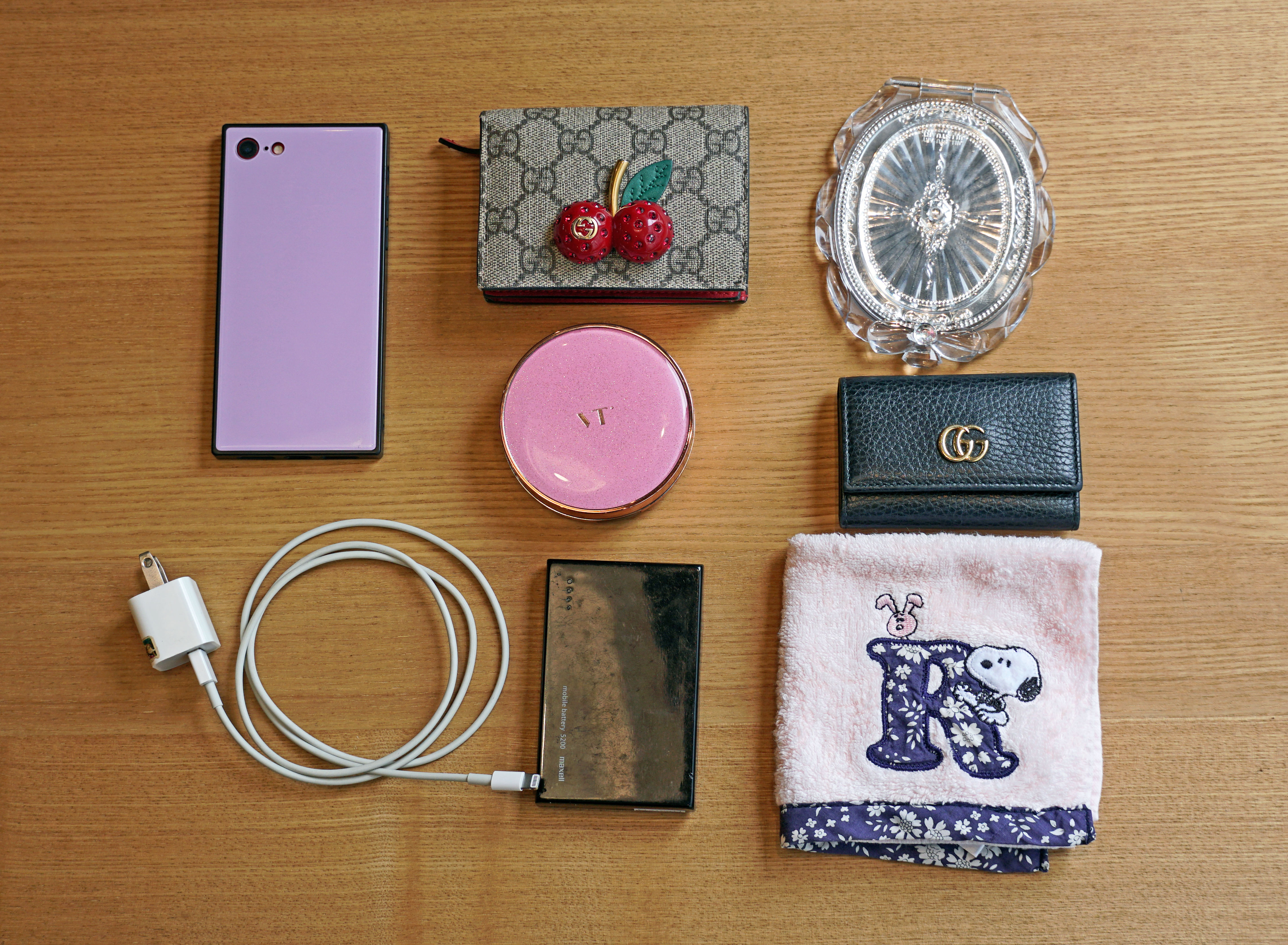 iPadと日用品が整然と収まるミニマルなバッグが欲しい①