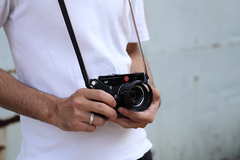 ストラップ ユリシーズ カメラストラップの付け方(ニコン巻き・報道結び)